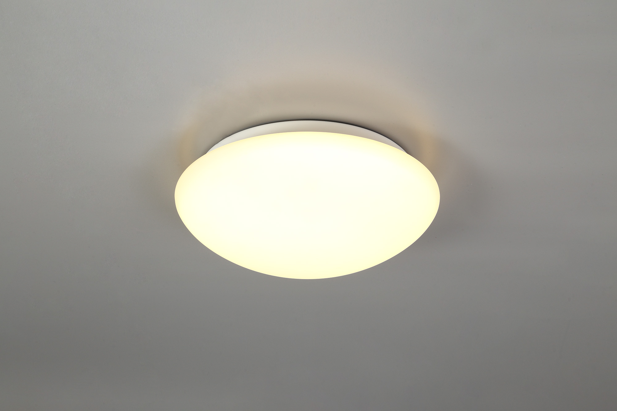 Ceiling, 1 x 18W LED, 3000K, 872lm, IP44, White/Frosted Glass, 3yrs Warranty